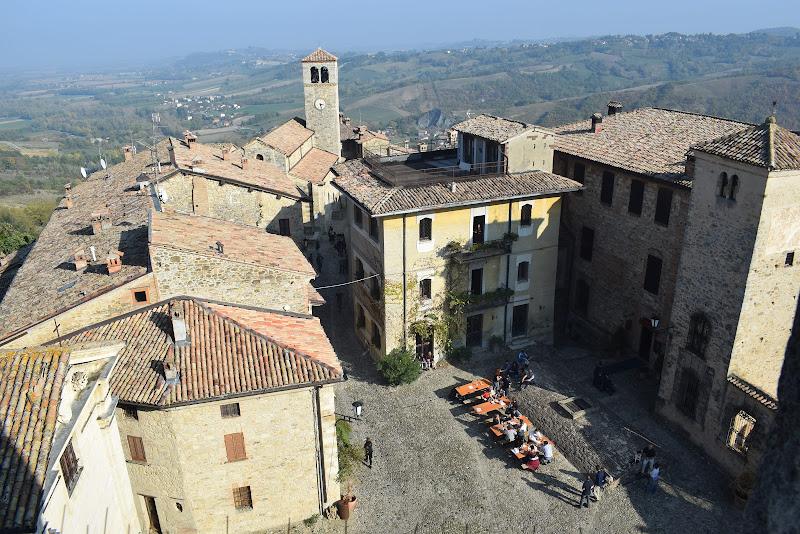 Vigoleno, piccolo borgo piacentino. di federica_fagotto