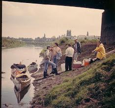 Photo: 1985 (Ems): Pause unter der Grevener Straßenbrücke