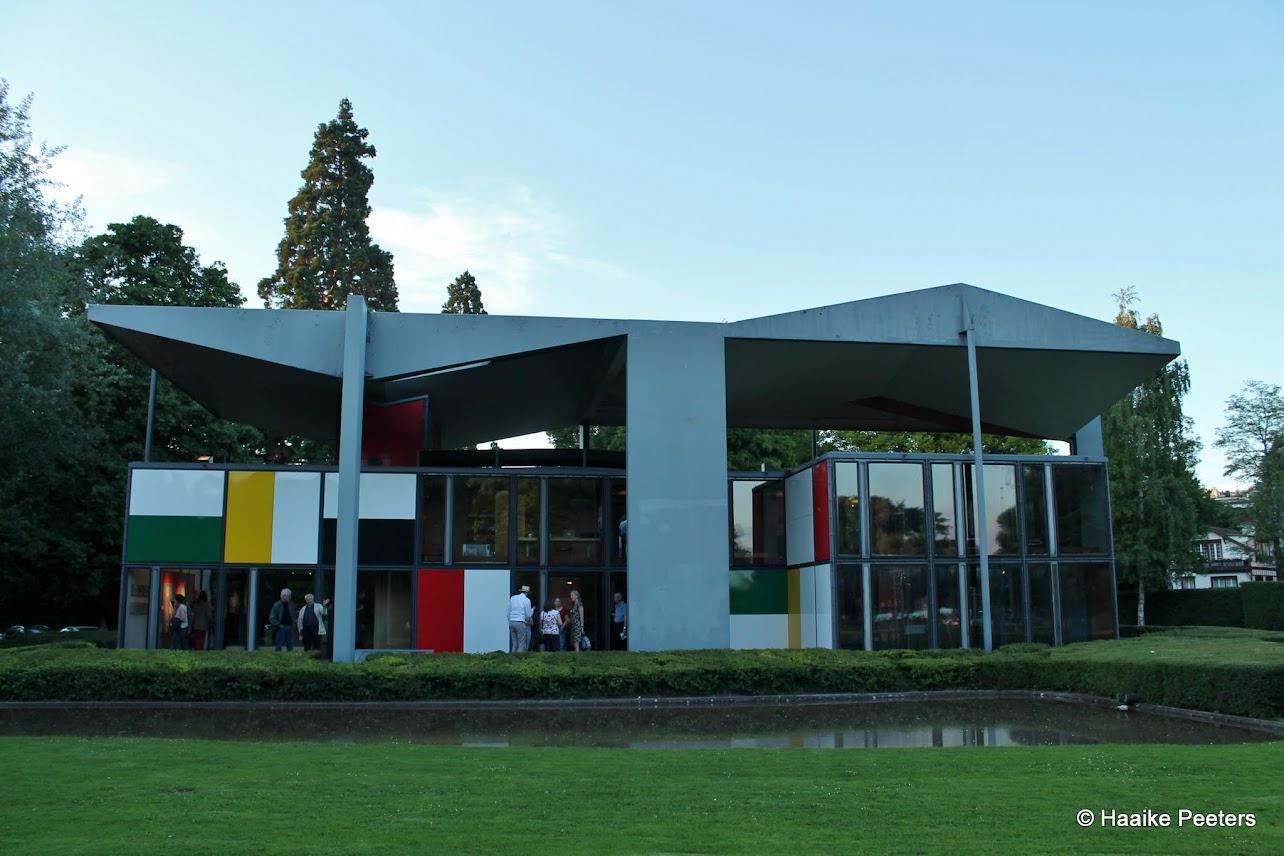 Centre Le Corbusier Zürich (Le petit requin)