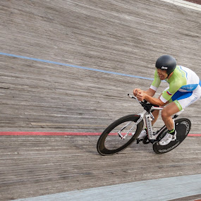 Hour Record by Jernej Lah - Sports & Fitness Cycling ( velodrom, novo mesto, igor kopše, izbor, šport, kolesarstvo, popoldne, vožnja na čas, fixed )