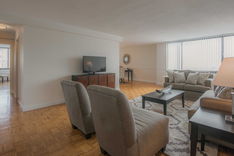 the-towers-at-longfellow-apartments-living-room1