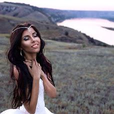 Wedding photographer Varya Volkova (varyavolkova). Photo of 04.10.2015