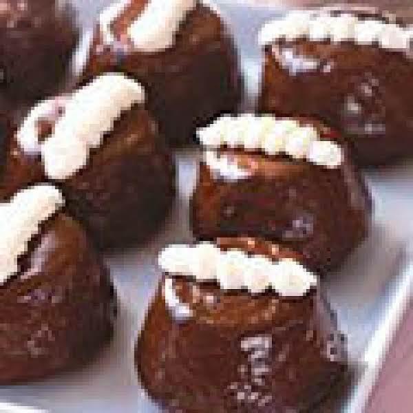 Chocolate Cream Cakes Recipe