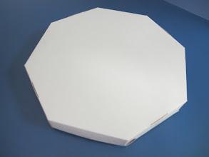 Photo: Embalagem para pizzas ou outros alimentos com formatos cilíndricos - Fechada.