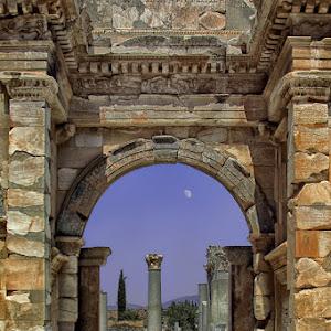 Ephesos Celsus-Bibliothek 01b.jpg