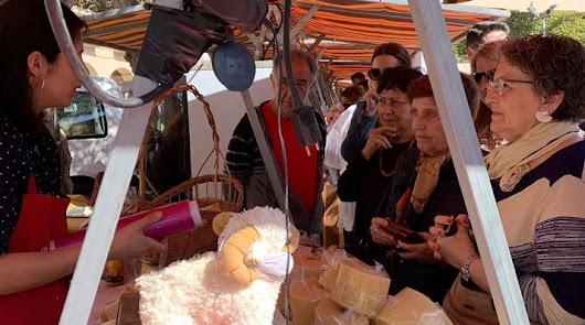 Edición pasada de la Feria del Queso Artesano de Almería, en la Plaza Vieja.