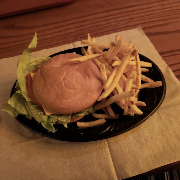 GF Cheeseburger and fries