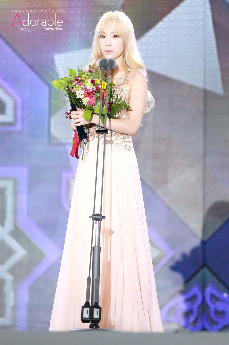 taeyeon gown 58