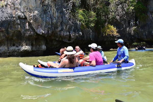 Canoe at Lod Noi Cave
