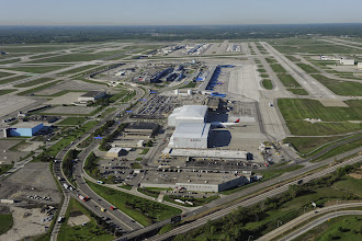 Photo: Detroit Metro Airport  (from the north, looking south).  CREDIT: Wayne County Airport Authority/Jeff Ellis