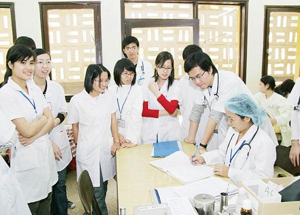 Lý do ngành Y Dược lại là sự lựa chọn của nhiều sinh viên