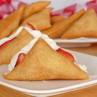 Sopaipillas with Cannoli Cream & Fresh Fruit