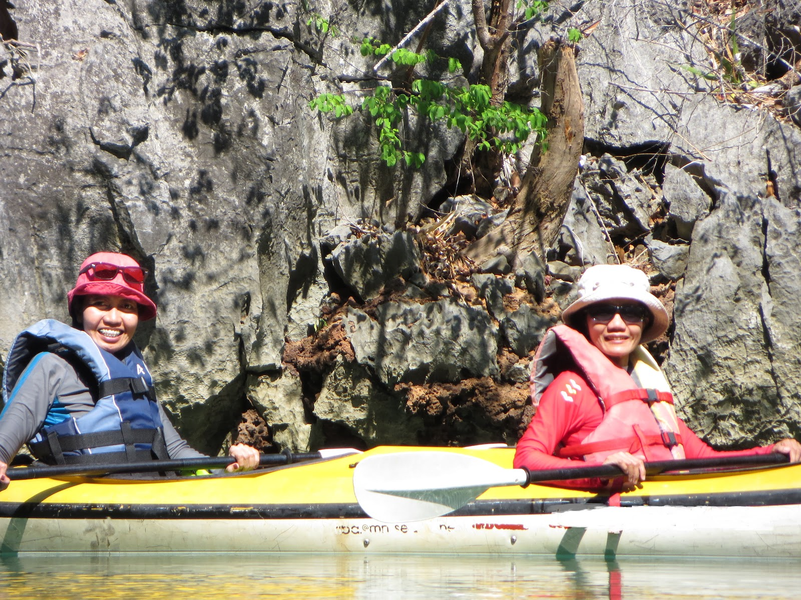 7b - Al Sabado  with sister kayaking in Palawan, 2014.JPG