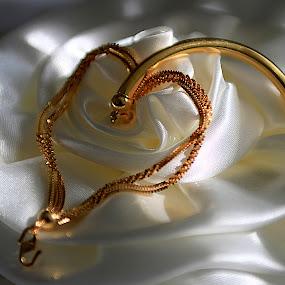 Bracelet by Francis Edroso - Artistic Objects Jewelry