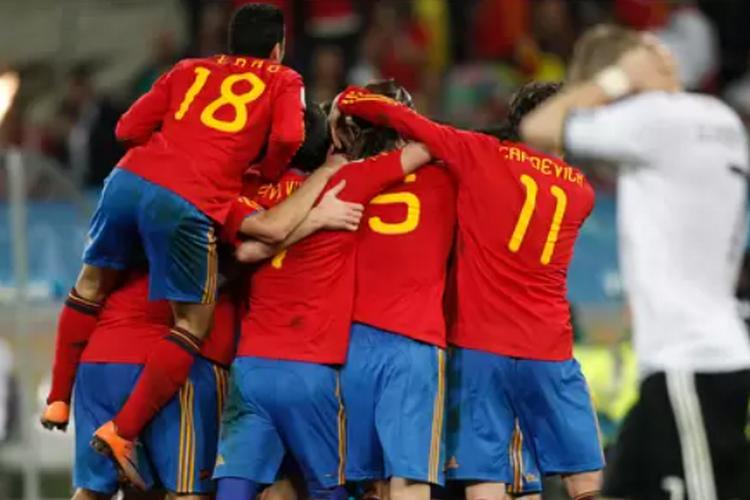 🎥 De la grève des Bleus au sacre espagnol en passant par la main de Suarez : cinq faits marquants du Mondial Sud-Africain