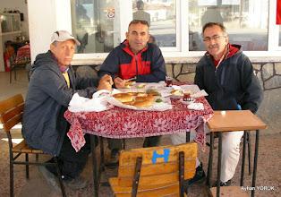 Photo: Zeytinköy Kahvesinde kahvaltı. Zeytinköy-Gölova-Çile Arası işaretlemesi. EFES MİMAS (İYON) YOLU 2. Etabı - 14.11.2015