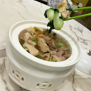H7. Beef Brisket with Tofu Skin in Soup 鮮竹清湯牛腩