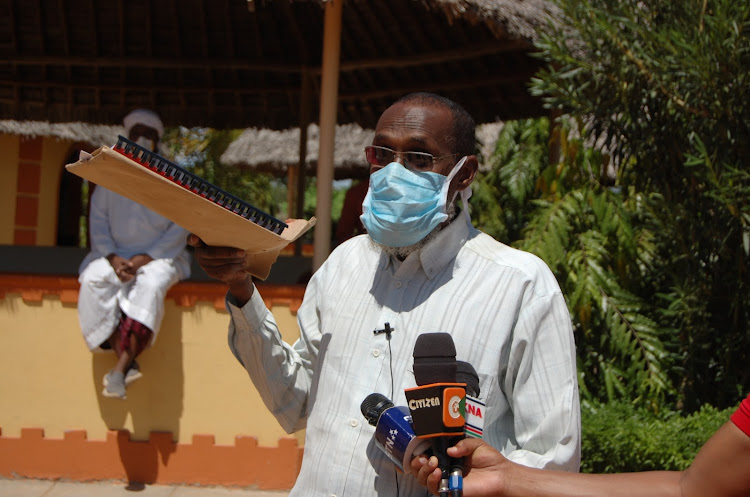 Abdirahman Ahmed addressing the press on behalf of the contractors in Garissa town on Sunday, May 31, 2020.