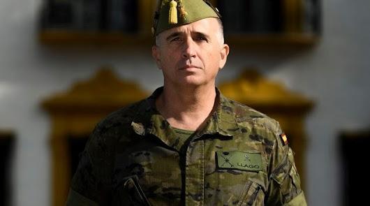 El general Melchor Marín toma el relevo de Llago como nuevo jefe de la Legión