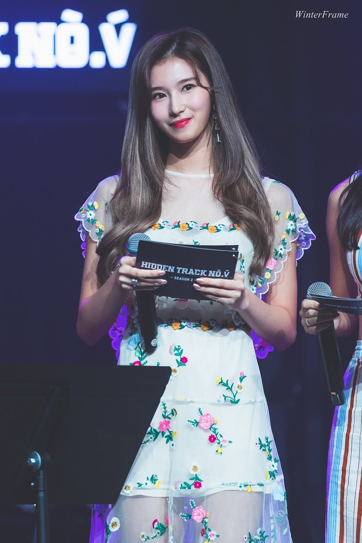sana dress 14