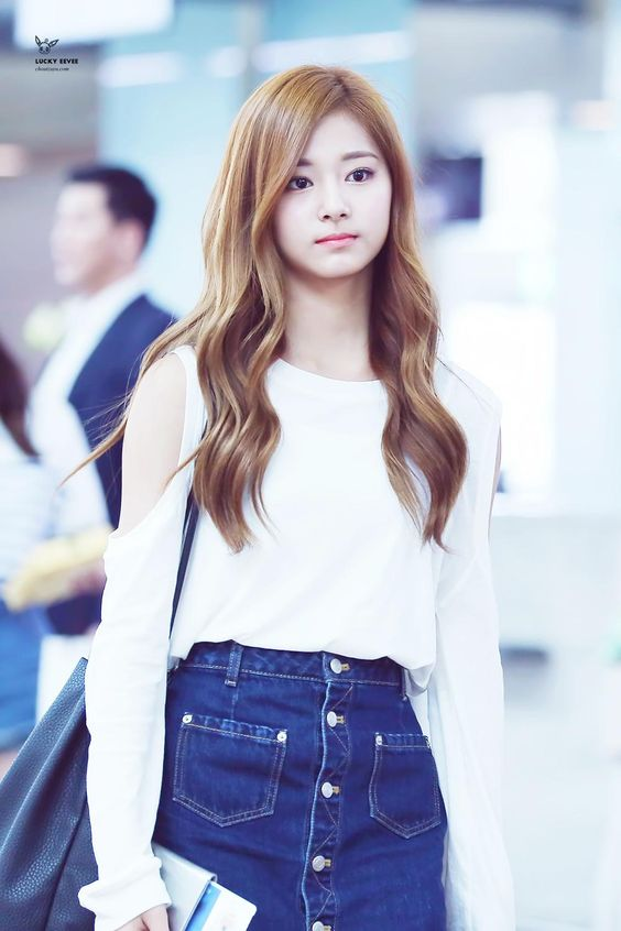 tzuyu sweater 30