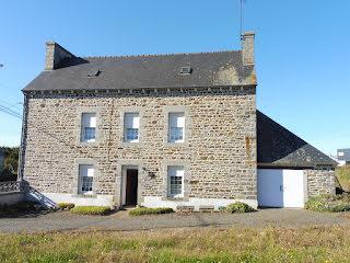 Maison Plerin (22190)