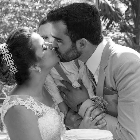 Wedding photographer Volney Henrique Rodrigues (volneyhenrique2). Photo of 17.09.2017