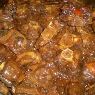 Savory Oxtail In A Rich And Thick Gravy.