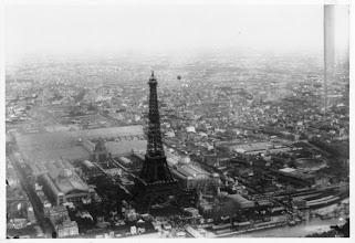 Photo: L'exposition universelle de Paris 1889 vue de ballon