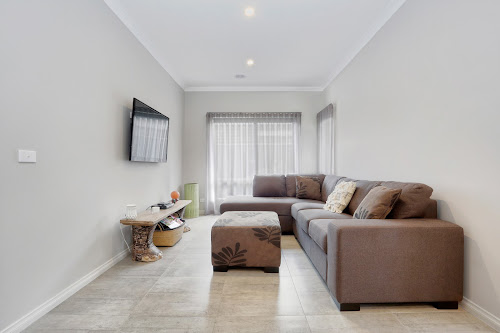 Photo of property at 5 Cortula Road, Cranbourne East 3977