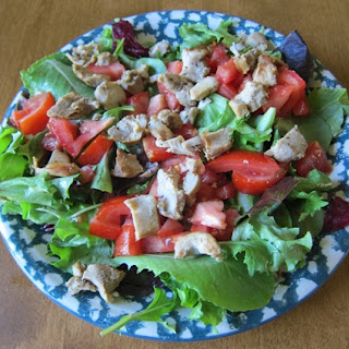 Simple Healthy Salad With Chicken, Lettuce & Tomatoes.