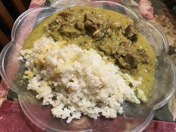 Plate With Half Lamb Vindaloo & Half Cauliflower Rice.