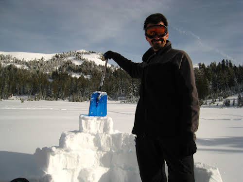 What to Do in Lake Tahoe in the Winter // Building an igloo, North Lake Tahoe