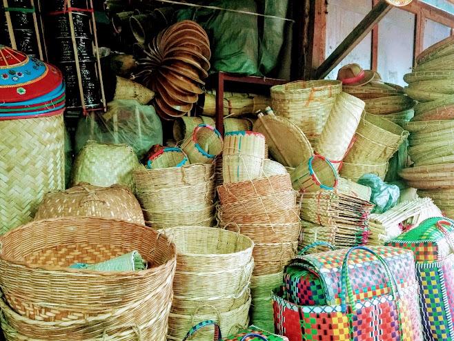 竹かごの数々