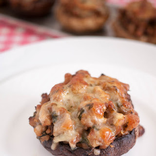 Meat Stuffed Mushrooms with Mince Turkey and Cheese.