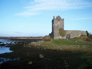 Photo: Kinvarra Castle (would look very pretty with the tide in)