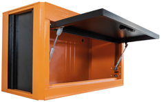 Uma imagem contendo no interior, mesa, de madeira, monitor  Descrição gerada automaticamente