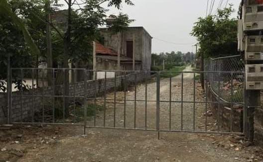 Cổng sắt xây dựng trái phép tại Giáo họ Tân Yên