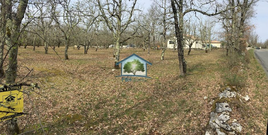 Vente terrain  2100 m² à Cieurac (46230), 33 000 €