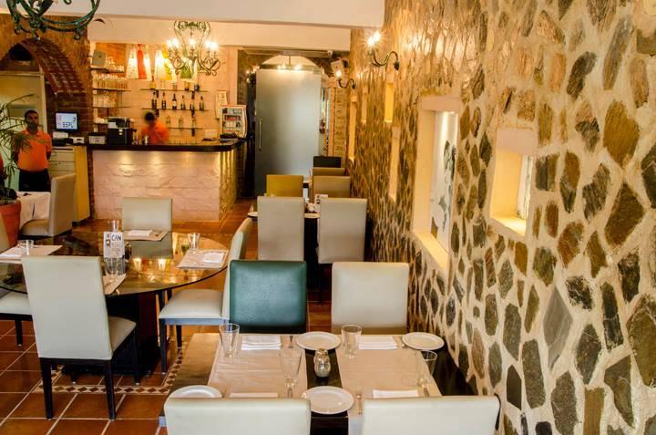 28-capri-italy-best-restaurants-defence-colony_image