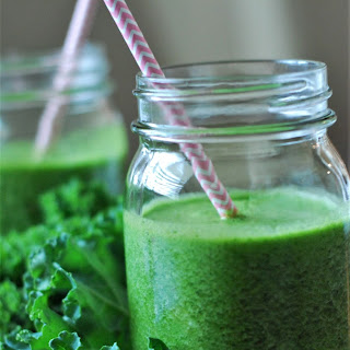 Kale and Matcha Detox Smoothie Recipe