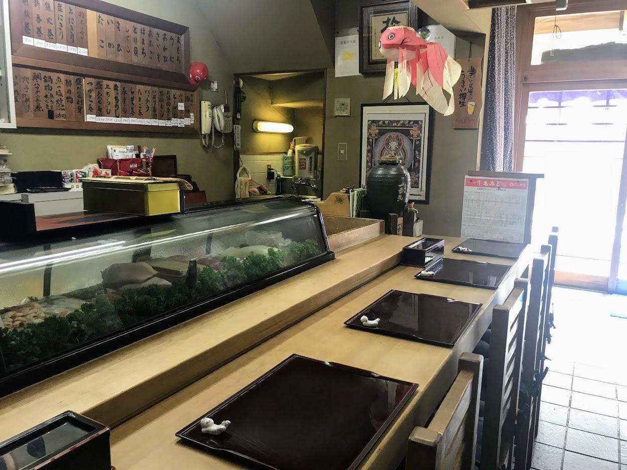 つかさ寿司・店内