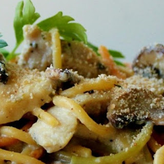 Easy Slow Cooker Chicken Tetrazzini