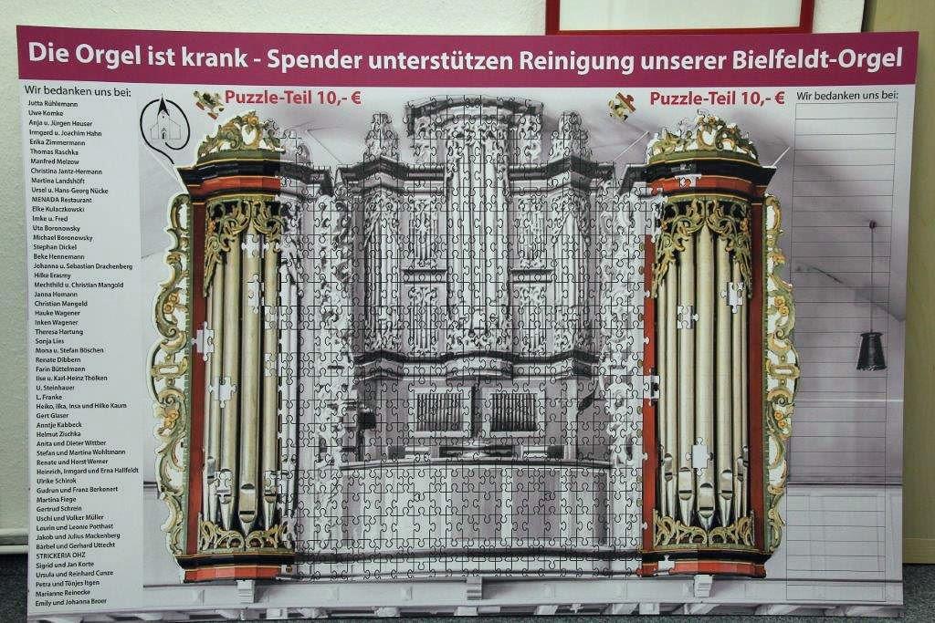 Puzzle gegen Orgel-Pilz in der Willehadi-Kirche