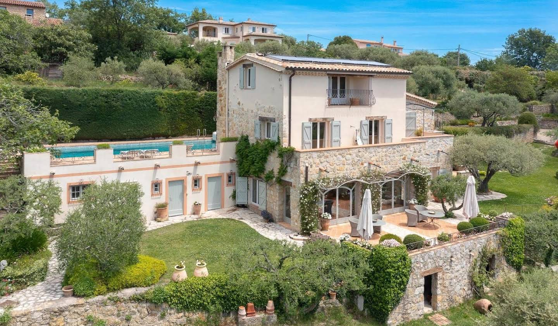 Villa with terrace Montauroux