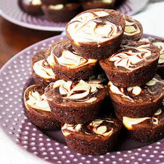Easy Brownie Cheesecake Bites.