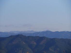 奥に高塚山・京丸山・鋸山など