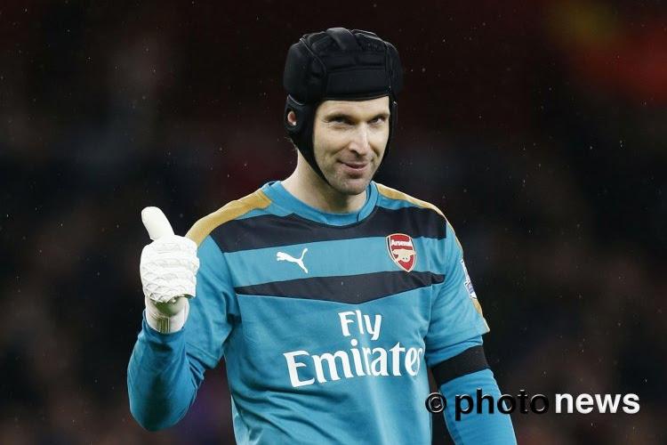 Petr Cech kruipt opnieuw in doel maar gaat voortaan pucks vangen