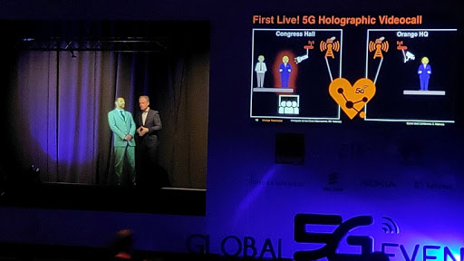 ZTE and Orange show the advantages of 5G in advanced automotive robotics and entertainment applications.