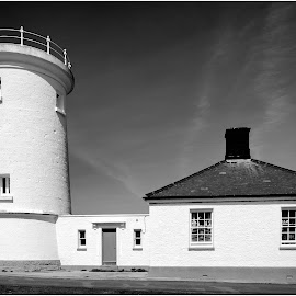 by David Bevan - Black & White Buildings & Architecture